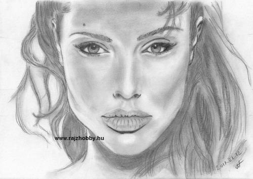 Tanfolyam végén készült Angelina Jolie